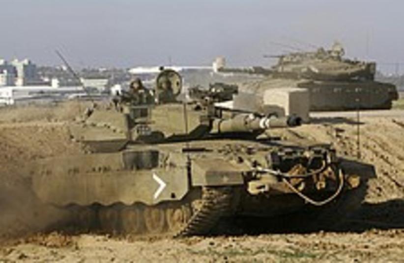 tanks gaza 224.88 (photo credit: AP)