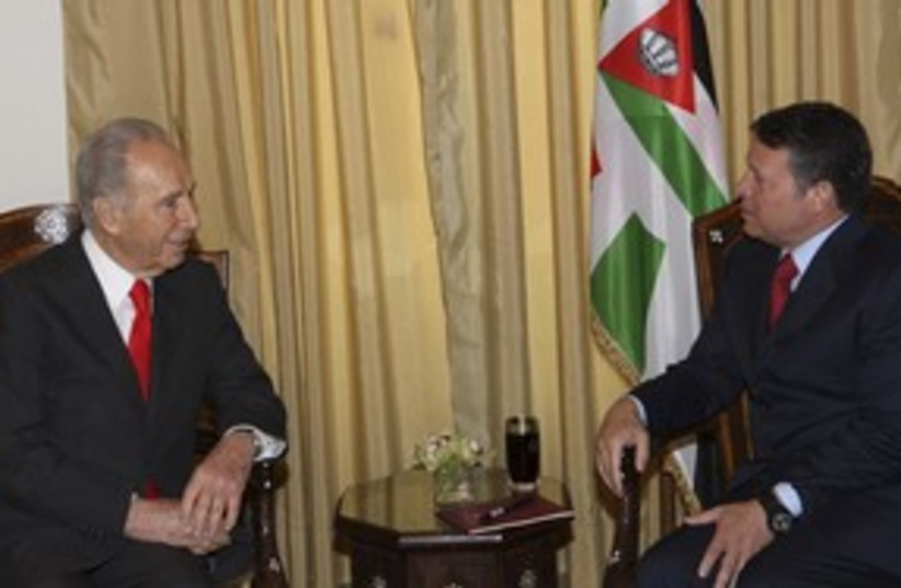 Peres meets Abdullah 311 R (photo credit: REUTERS/Yousef Allan)