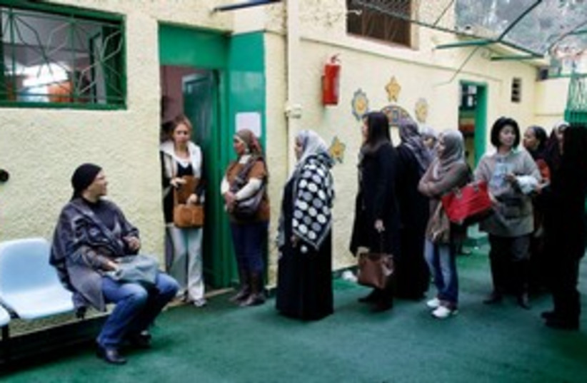 Egyptians vote in elections 311 (photo credit: Reuters)