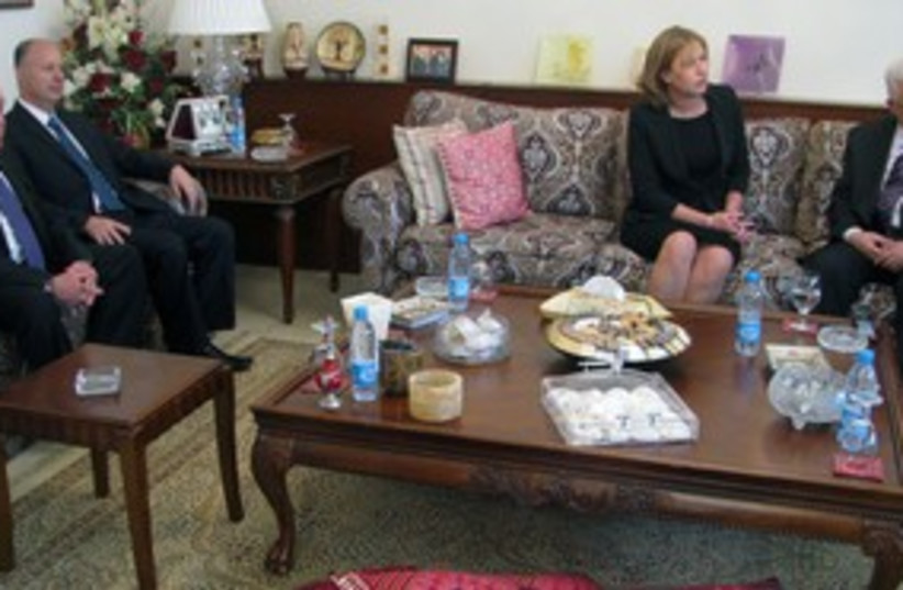 Livni Abbas meeting in Amman 311 (photo credit: Courtesy Kadima Spokesmans office)