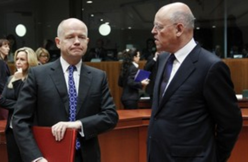 William Hague and Uri Rosenthal 311 R (photo credit:  REUTERS/Thierry Roge)