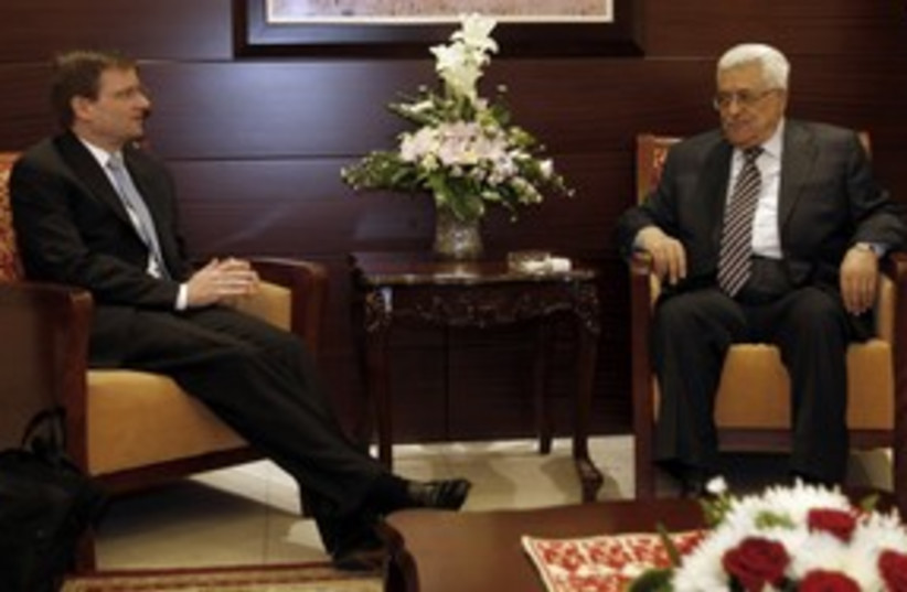US special envoy David Hale meets Abbas 311 (R) (photo credit: Mohamad Torokman / Reuters)