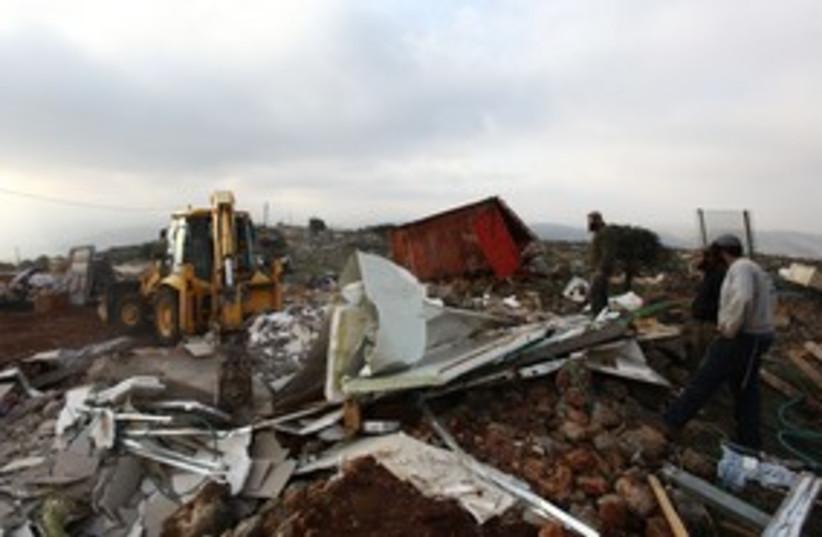 Mitzpe Yitzhar demolition 311 (photo credit: Marc Israel Sellem)