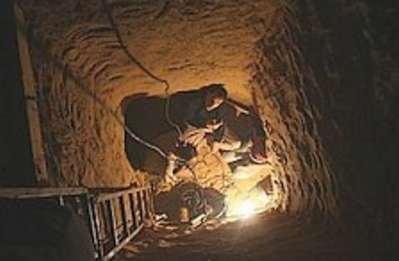 gaza tunnel 224.88 (photo credit: AP)