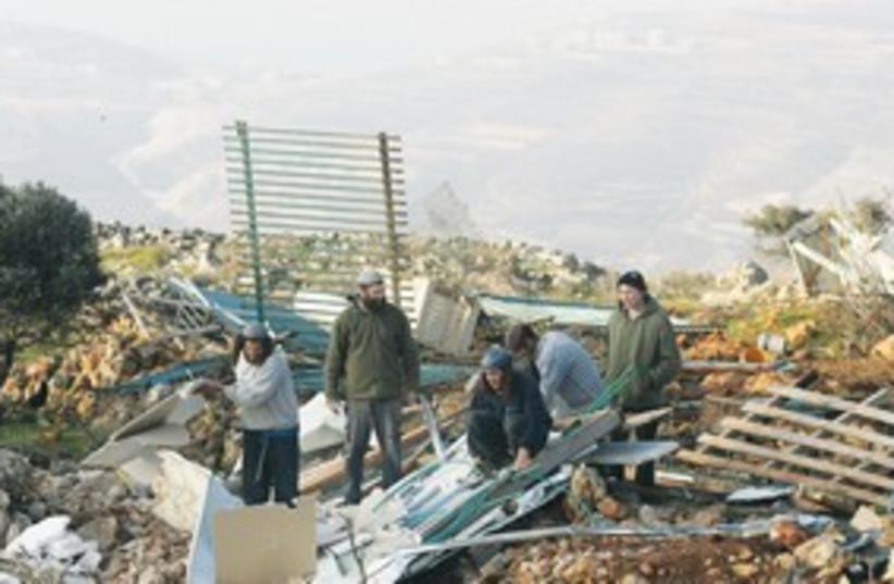 Mitzpe Yitzhar outpost 311 (photo credit: (Marc Israel Sellem/The Jerusalem Post))