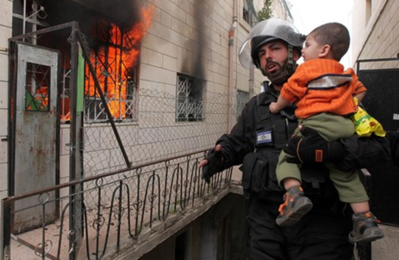 IDF soldier rescues Palestinian in Issafiya