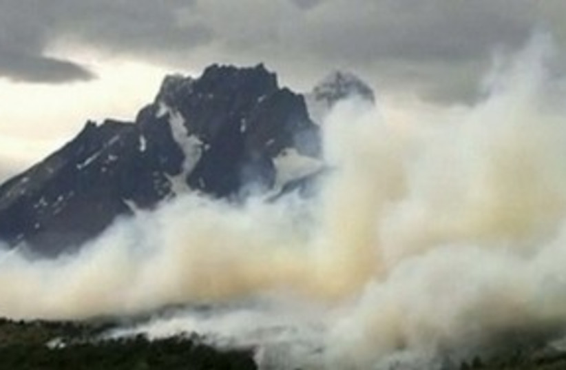 Fires rage in Chilean Torres del Paine national park 311 R (photo credit: REUTERS)