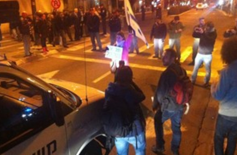 Protesters block street in south Tel Aviv 311 (photo credit: Or Yizhar and Orly Barlev)
