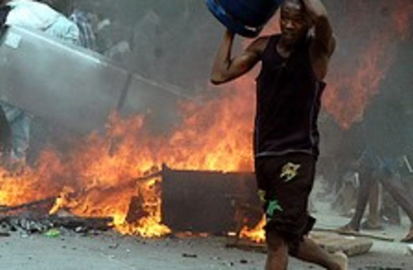 kenya riots 224.88 ap (photo credit: AP)