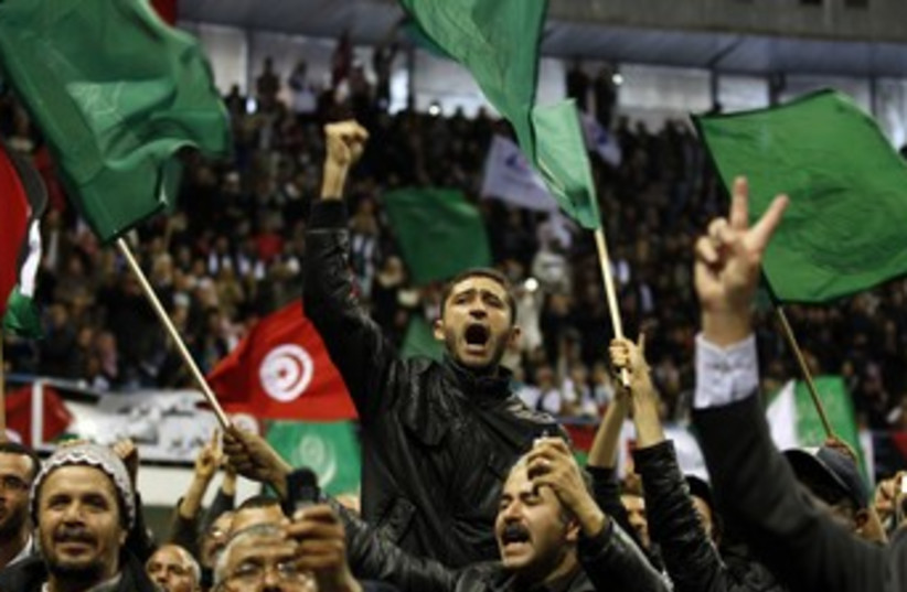 Hamas supporters 370 (photo credit: REUTERS)