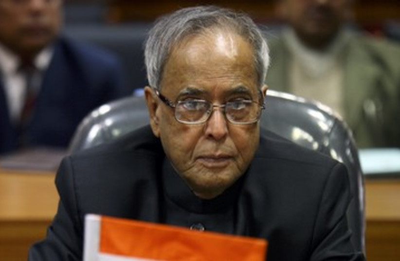 India Finance Minister Sri Pranab Kumar Mukherjee 390 (photo credit: Navesh Chitrakar / Reuters)