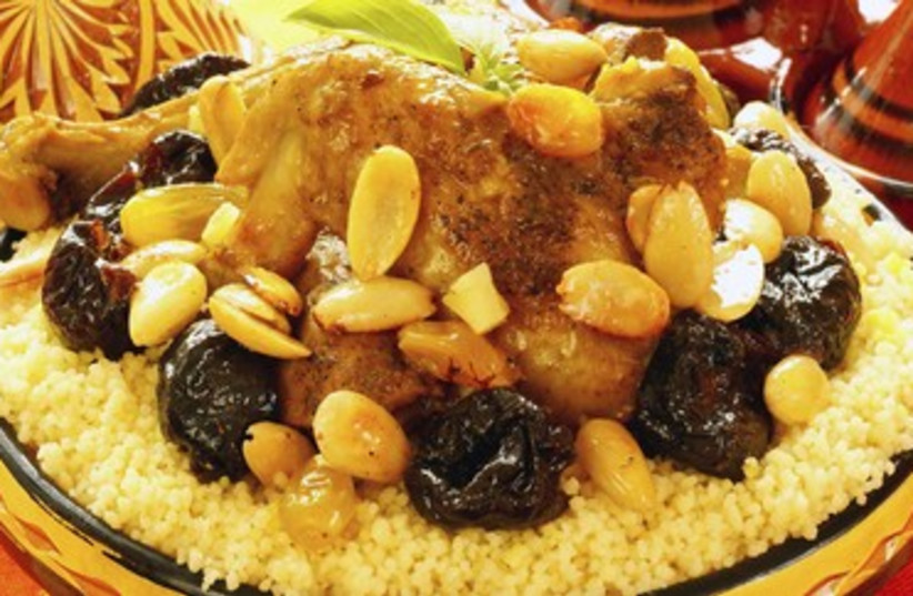 Braised chicken with dates and Moroccan spices 390 (photo credit: Thinkstock/Imagebank)