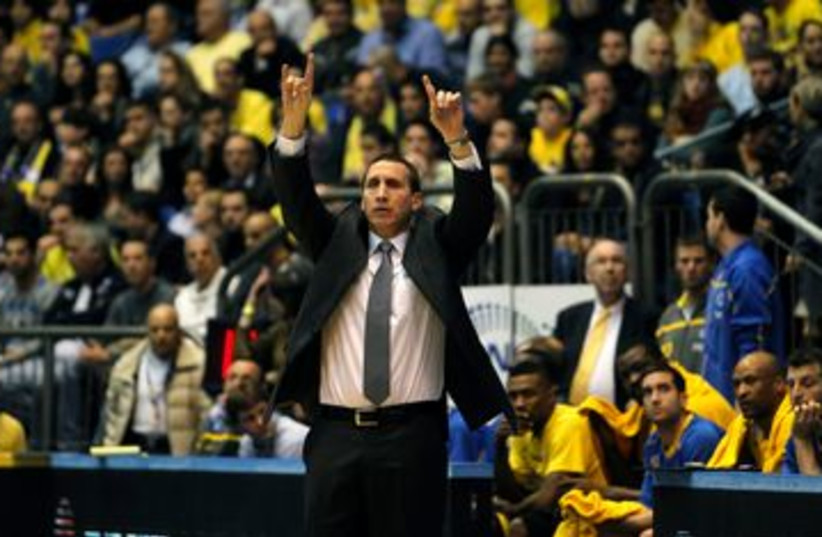 Maccabi Tel Aviv coach David Blatt 390 (R) (photo credit: Reuters )