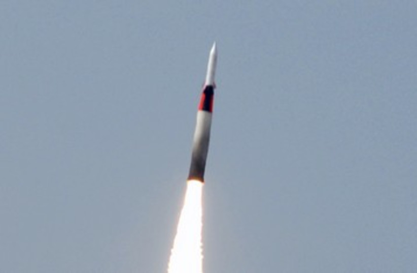 Arrow missile defense system launch 390 (photo credit: Ho New / Reuters)