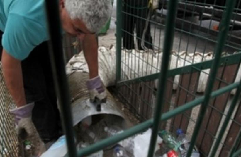 recycling in Jerusalem_390 (photo credit: Yossi Zamir/JTA )