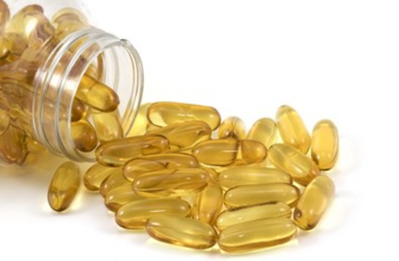 Fish oil capsules_390 (photo credit: Thinkstock/Imagebank)