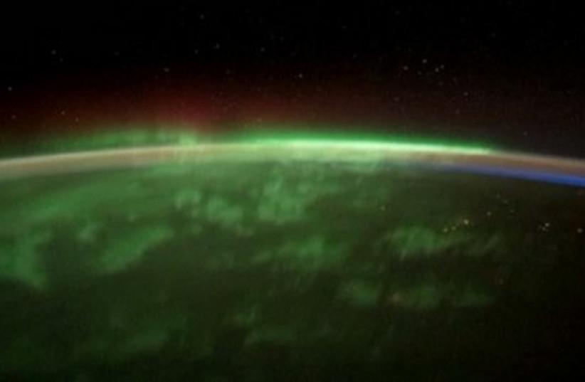 Northern Lights 390 (photo credit: REUTERS)