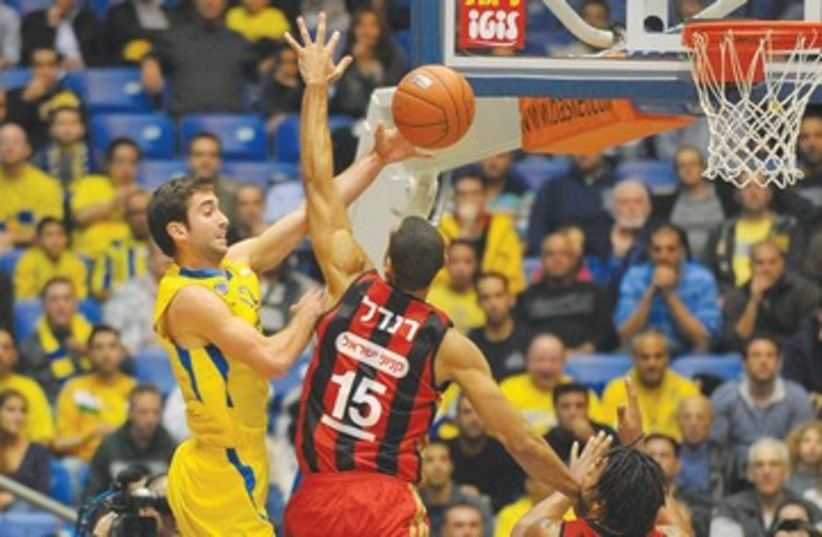 Maccabi Tel Aviv's Yogev Ohayon 390 (photo credit: Asaf Kliger)