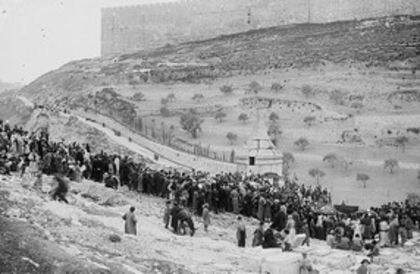 Mt of Olives  (photo credit: American Colony-Jerusalem-Photo Dept.)