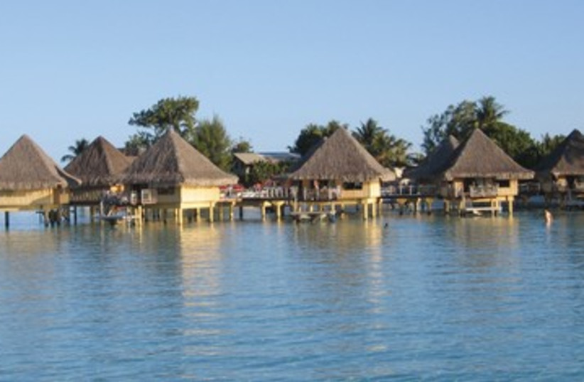 Tahiti 390 (photo credit: Ben G. Frank )