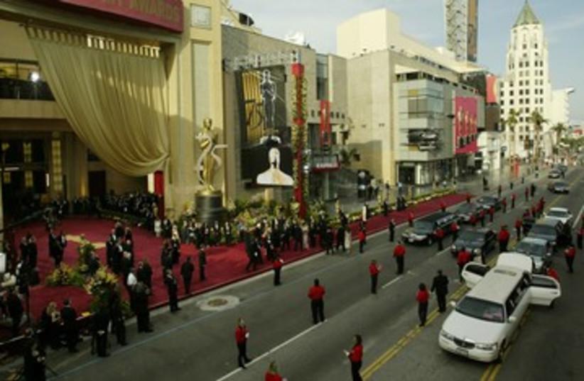 Limousines arrive at Oscars [file]_390 (photo credit: Reuters )