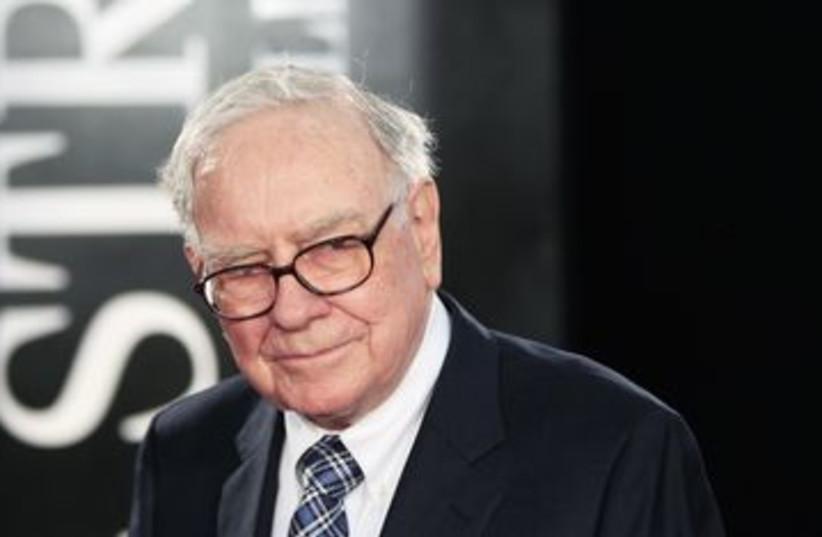 Warren Buffet 390 (R) (photo credit: Lucas Jackson / Reuters)