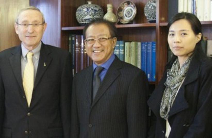 Hebrew U. President Ben-Sasson, Thai Ambassador Phoisaro 390 (photo credit: Flash 90)