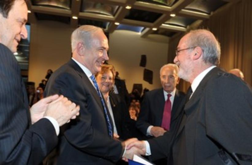 Grunis and Netanyahu 390 (photo credit: Moshe Milner/GPO)