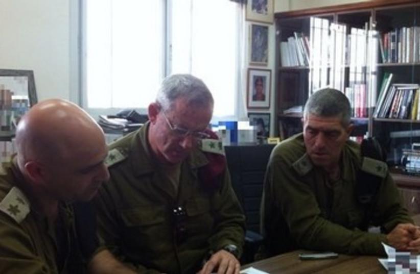 Gantz with other IDF officers 390 (photo credit: IDF Spokesman)