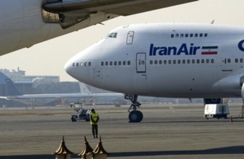 Iran Air plane Iranian plane 370 (R) (photo credit: Morteza Nikoubazl / Reuters)