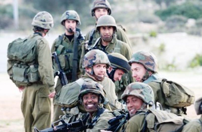 IDF reservists 370 (photo credit: Marc Israel Sellem)