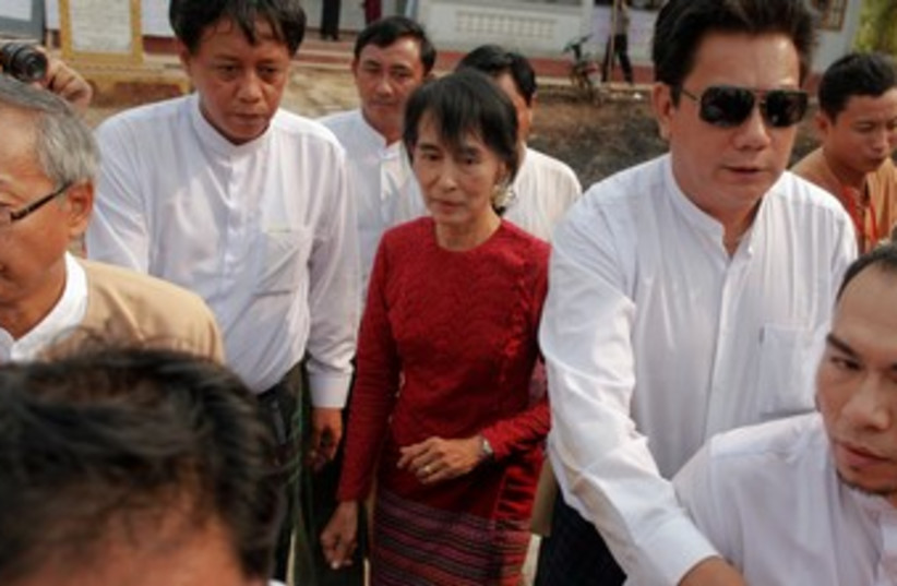 Aung San Suu Kyi in Myanmar election 370 (photo credit: REUTERS/Damir Sagolj )