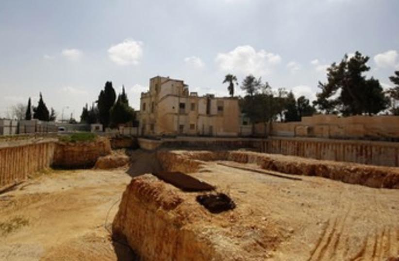 partially demolished shepherd hotel_370 (photo credit: Ammar Awad/Reuters)