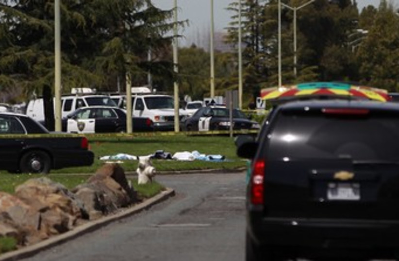 Oakland police cordon of scene at Oikos_370 (photo credit: Stephen Lam/Reuters)