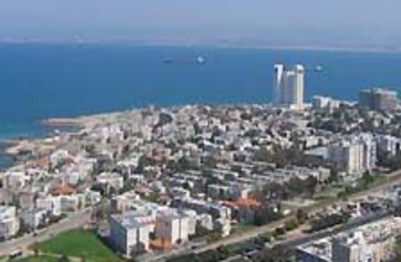haifa bay 88 224 (photo credit: Courtesy)
