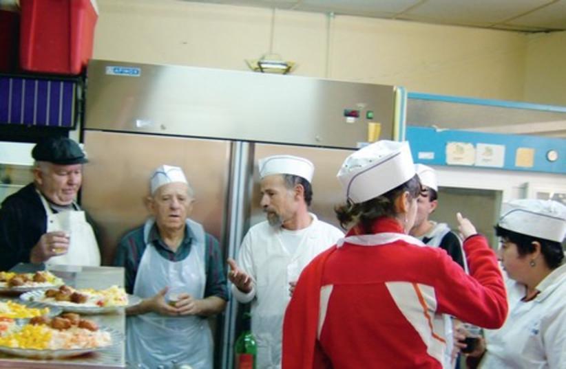 Soup kitchen 521 (photo credit: Courtesy Be'er Sova)
