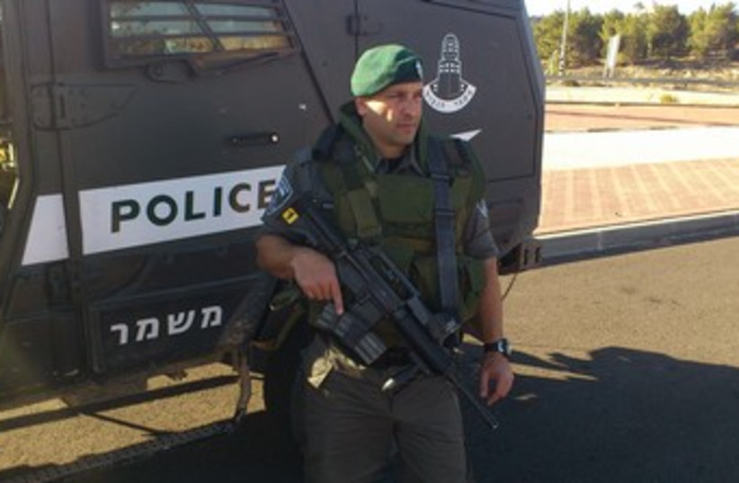 Border police 370 (photo credit: Yaakov Lappin)