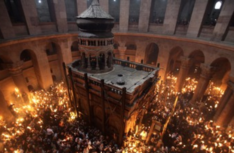 Holy Fire Ceremony, Church of Holy Sepulchre 370 (photo credit: Baz Ratner / Reuters)