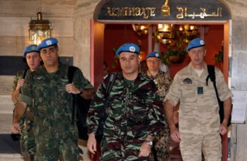 UN monitors arrive in Damascus 370 (photo credit: REUTERS/Khaled al- Hariri )
