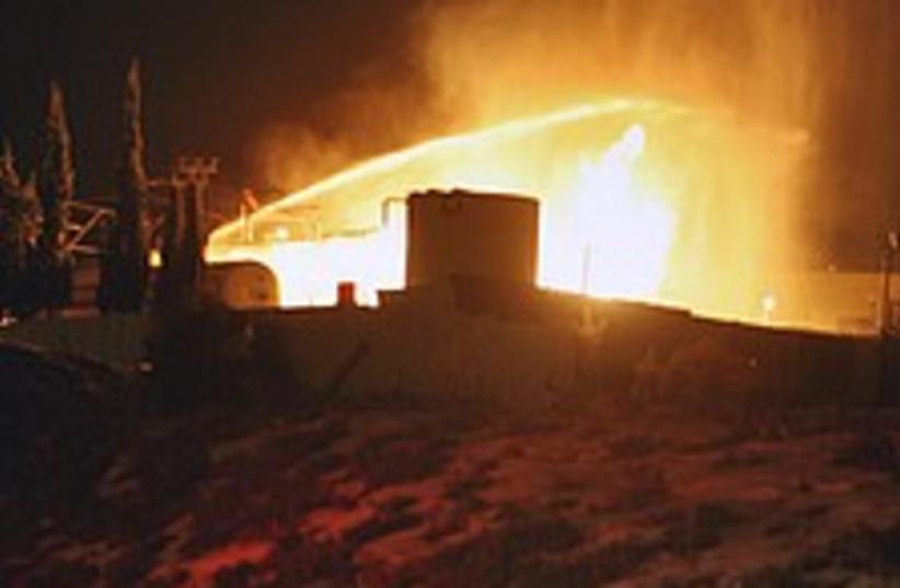 explosion 224.88 (photo credit: Ahmad Gharabli)