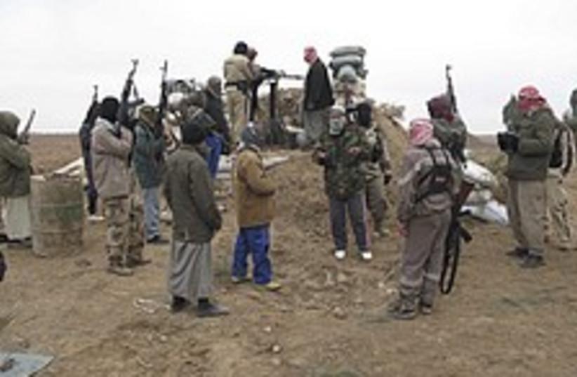 Armed Iraq Sunnis 224.88 (photo credit: AP)