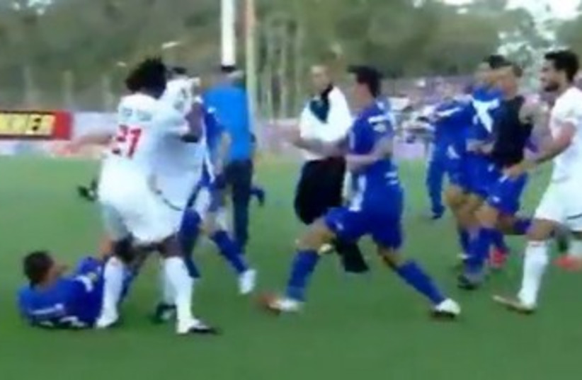 Soccer brawl- Hapoel Ramat Gan and Bnei Lod 370 (photo credit: Screenshot)