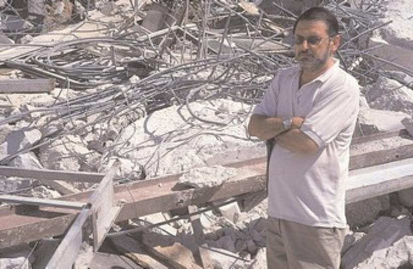 Beit Hanina demolition (photo credit: Meir Margalit)