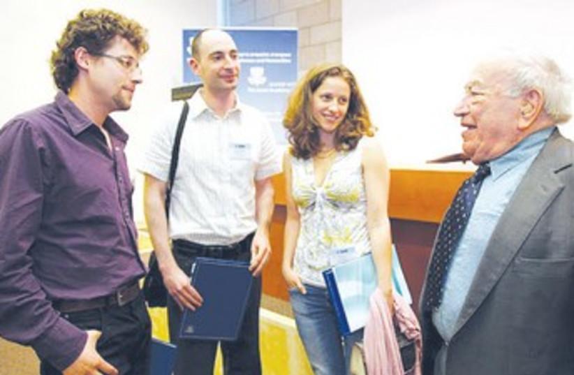 marcel adams meets with previous recepients_370 (photo credit: Israel Academy of Sciences)