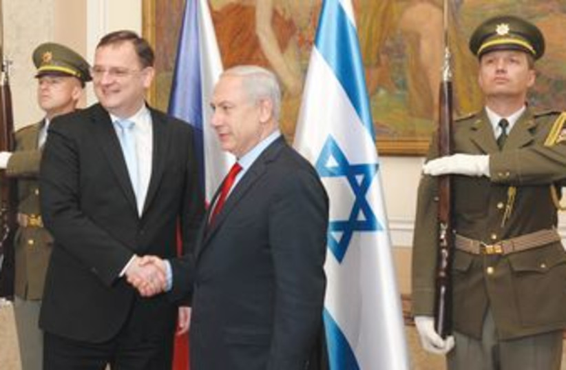 Netanyahu with Czech counterpart, Petr Necas 370 R (photo credit: Avi Ohayon/GPO)
