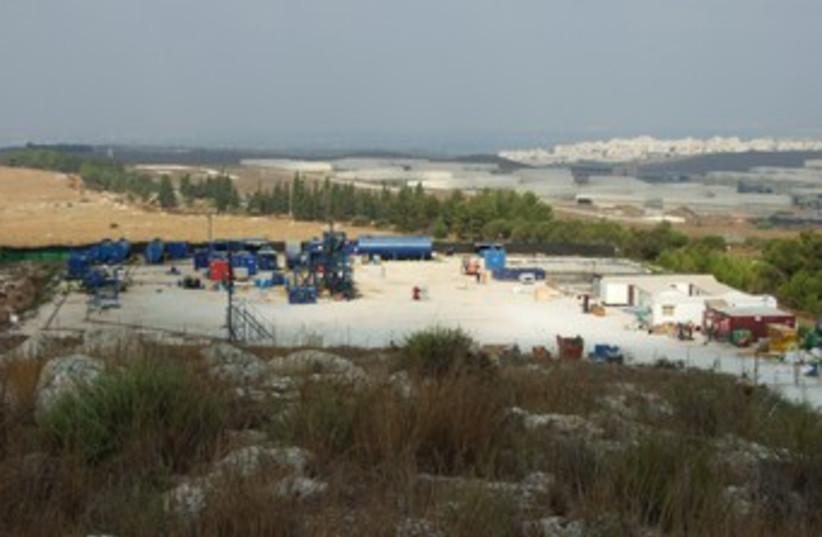 Meged oil drilling 370 (photo credit: Courtesy SPNI)