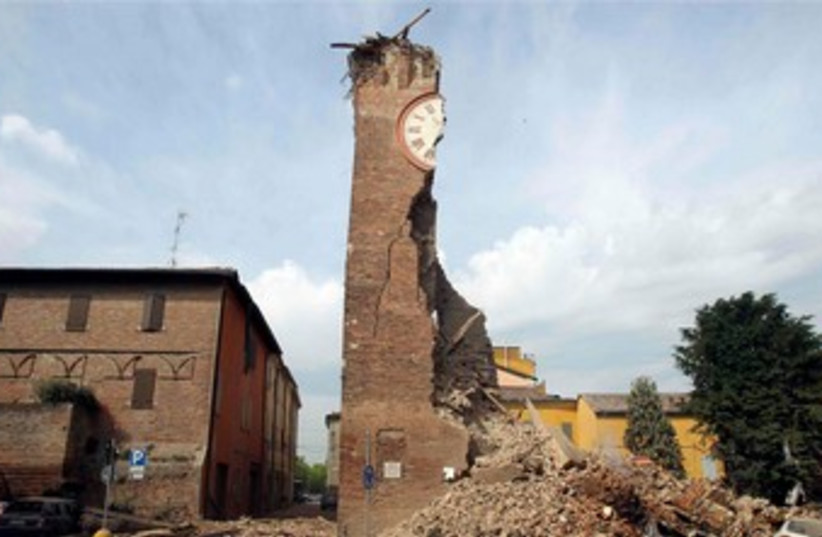Northern Italy earthquake damage 370 (photo credit: REUTERS)