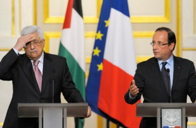 Hollande and Abbas 370 (photo credit: REUTERS)