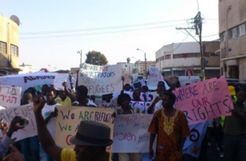 African migrants protest deportations 370 (photo credit: Ben Hartman)