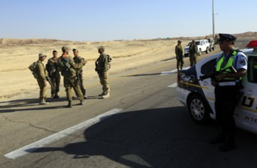 IDF patrol in South after 2011 cross border attack 370 (R) (photo credit: Ronen Zvulun / Reuters)